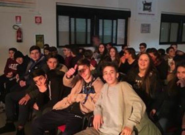 ALUNNI SCUOLE MEDIE VISITA ITI MAZZONE 2017-12