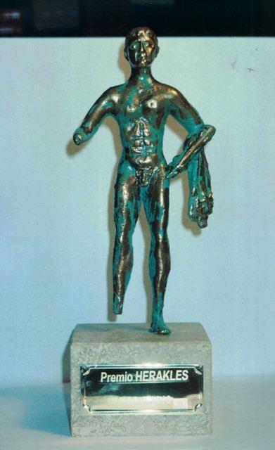 Statuetta di Heracles, consegnata ai destinatari dell'omonimo Premio