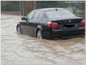 alluvione-cariati-auto-acqua-08-10-2013