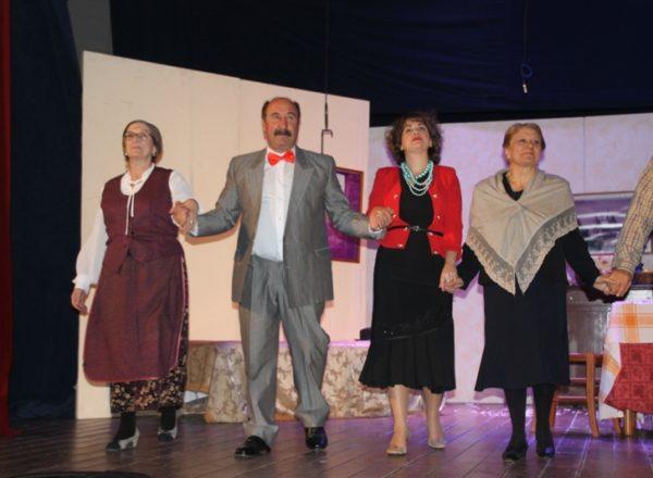 natale a casa cupiello 15-12-2019 teatro cariati (84)