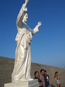 posa statua gesù porto cariati 08-08-2016statua